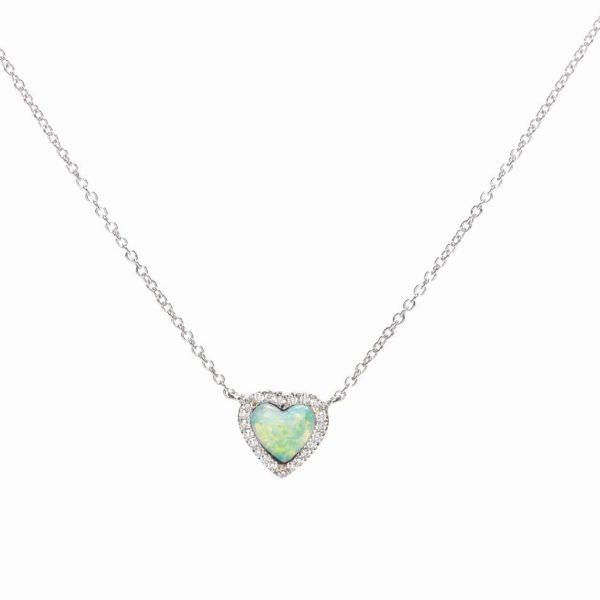 girocollo in oro bianco con opale a cuore e diamanti taglio brillante