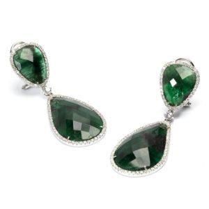 orecchini in oro bianco, diamanti e radici di smeraldo taglio flat